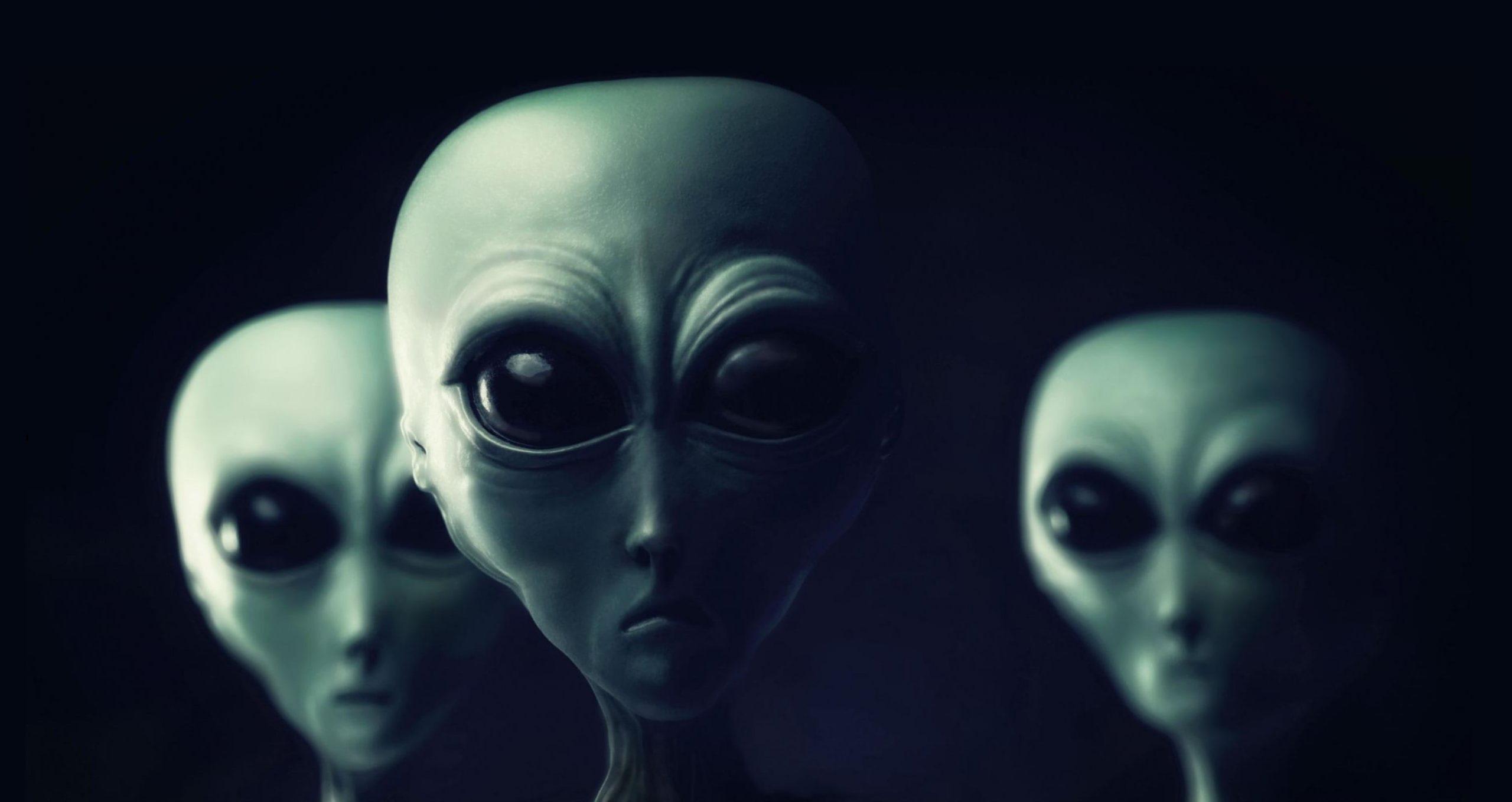 انشا درباره آدم فضایی